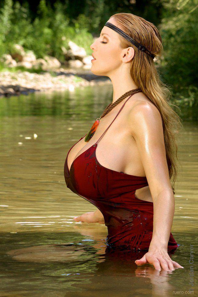 Голые стоячие груди большие, порно актрисы о себе