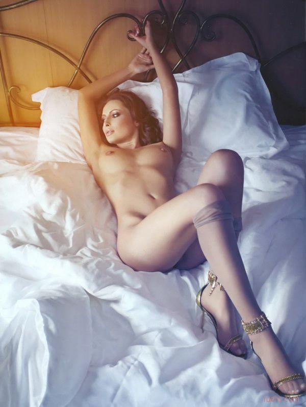 красивая голая юлька что