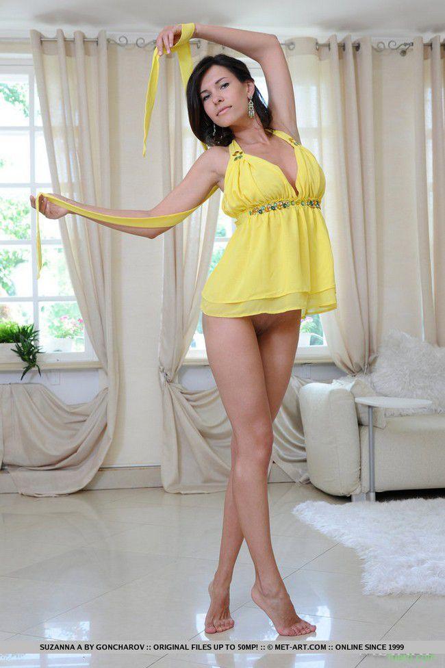 секс с брюнеткой в желтом платье обожают, когда
