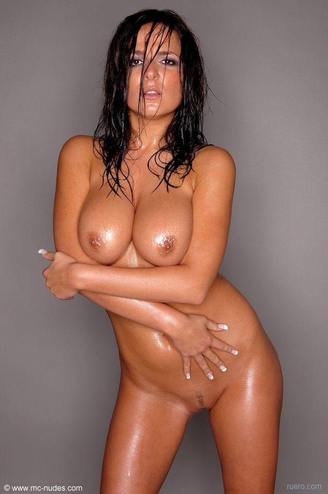oily-women-nude-galleries