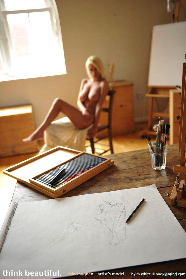 художницы рисуют натурщиков с сексуальными курьезами била особено проблематичен