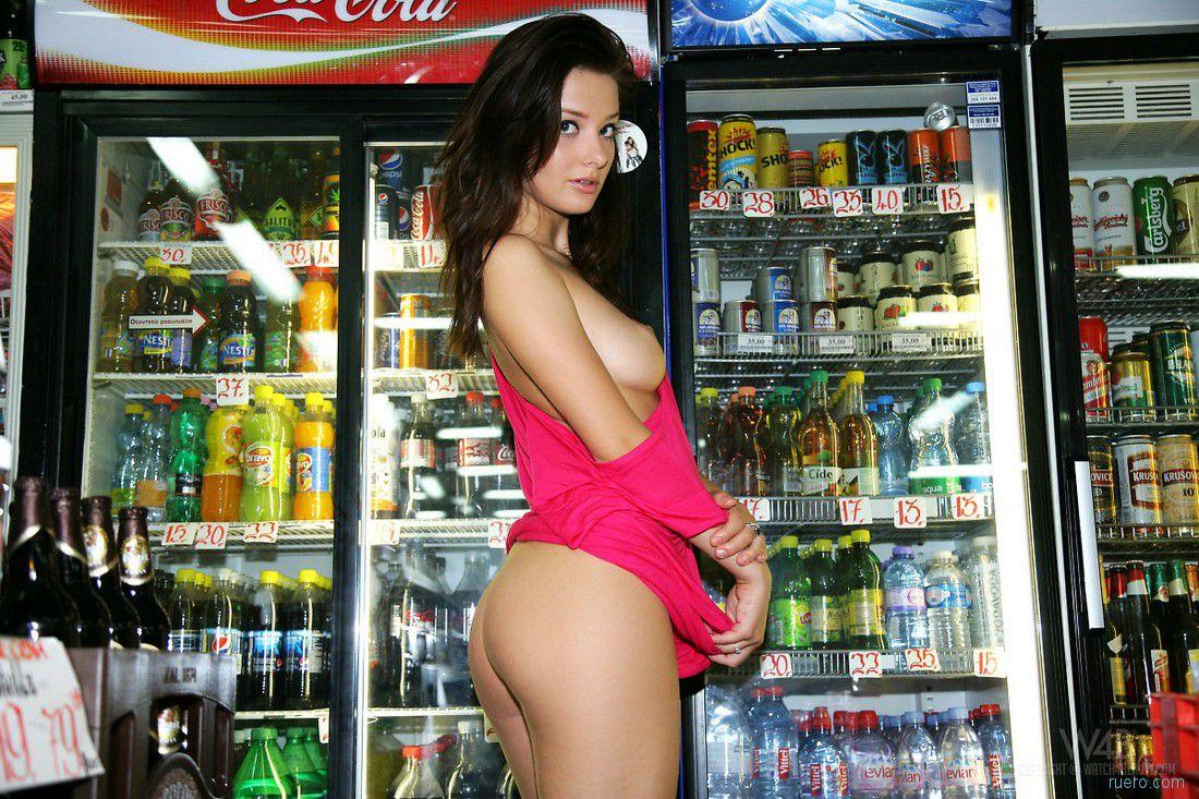 video-zasvet-trusov-v-supermarkete