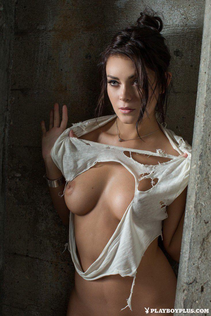 hot-nude-women-in-redskin-apparel