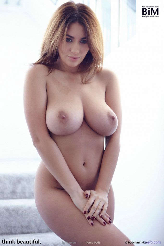 Beautiful Busty Holly Peers Body In Mind Babesource 1