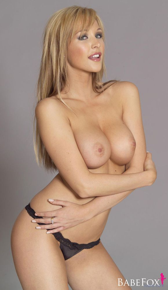 Emily Scott Nude, Topless Pictures, Playboy Photos, Sex Scene Uncensored