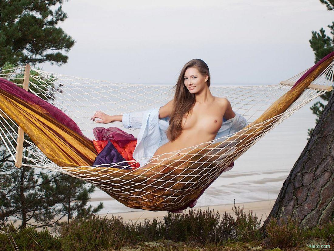 Fuking amnimation milf hammock babes pics