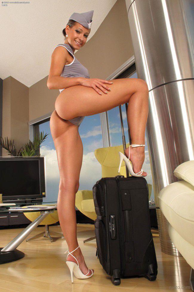 Сексуальная стюардесса мелисса, интимные стрижки трахаются